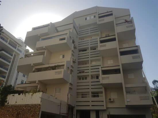 חידוש לובי בניין