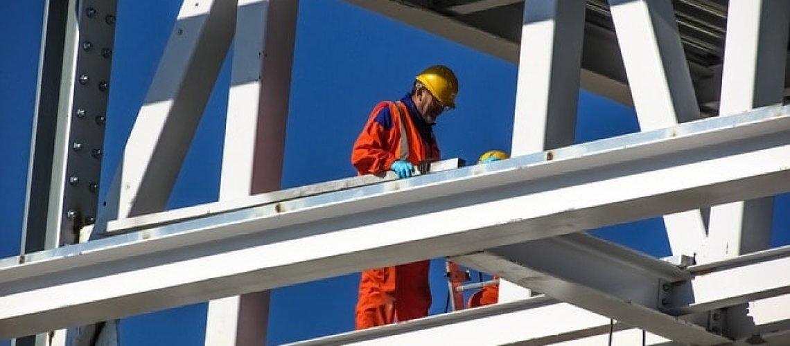 worker-1895691_640